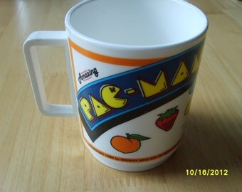 Vintage Pac Man Plastic Cup.  Collectible Action Game 1980