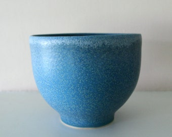 "Blue Art Bowl / Large, Elegant Peacock Blue Speckled Vessel / Wheel-Thrown Stoneware / ""PAVO"""