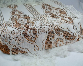 Vintage Lace table runner white or ivory New in Package