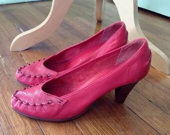Fabulous Vintage Leather Shoes by Bare Traps SIZE 8 SALE