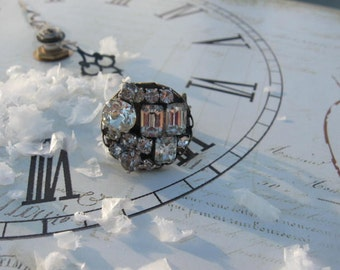 Paris in the Snow.vintage glass rhinestones assemblage ring