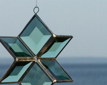 3D Green Beveled Stained Glass Star Ornament Suncatcher