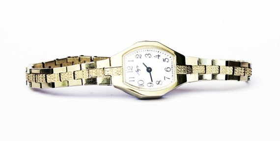 Vintage wristwatch LUCH from Belarus ladies wristwatch, gold color watch,