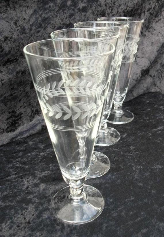 Set of 8 Pilsner, iced tea, water glasses Laurel pattern by Anchor Hocking