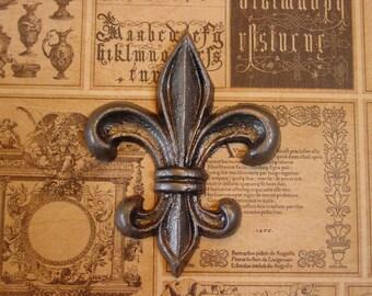 Fleur De Lis -  Magnet in Antiqued Silver