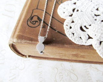 HERE KITTY kitty cat charm necklace (silver)