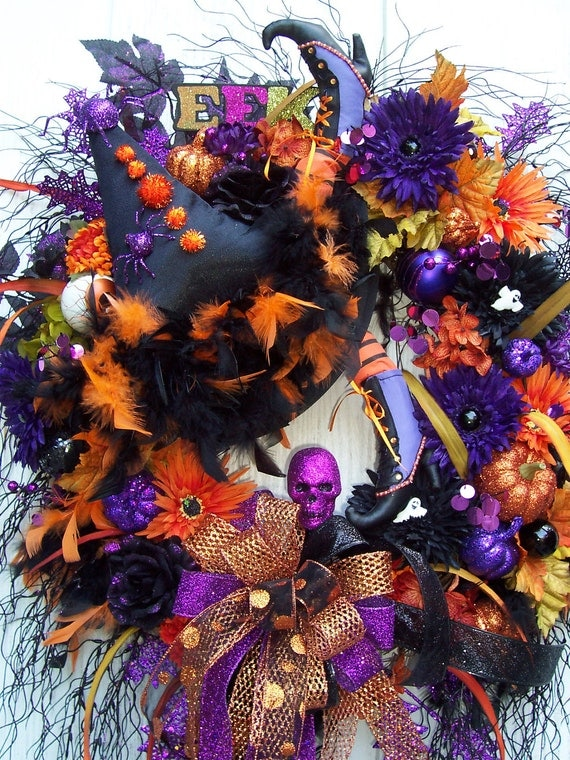 X Lg. Halloween Wreath With Witch Hat and Crazy Legs