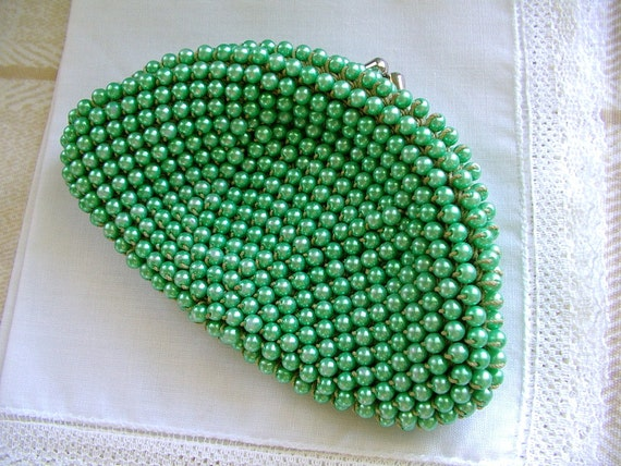 vintage 1950s pearlized green beaded change purse Made in Japan