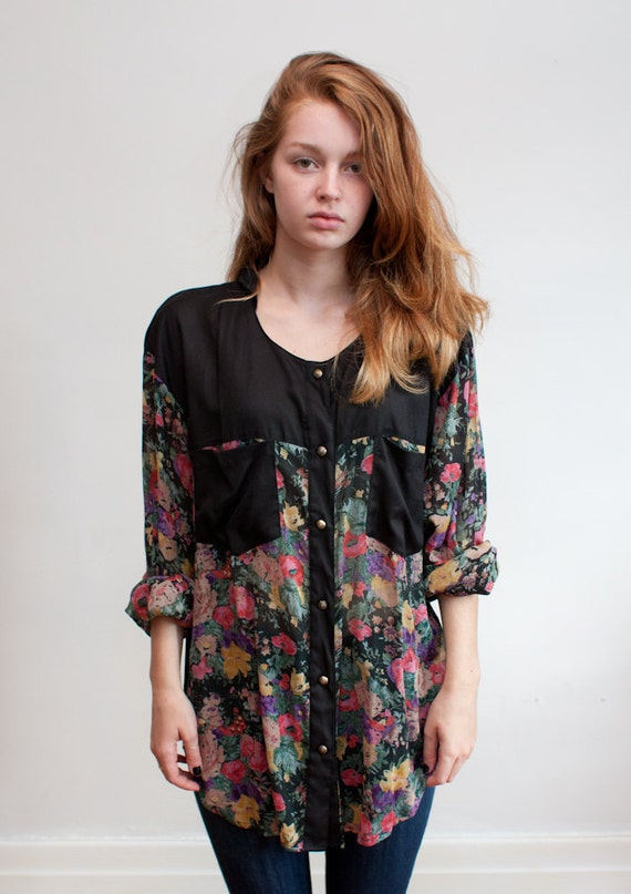 1990s slouchy floral blouse / collarless button down / L