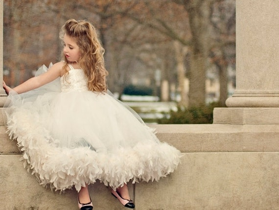 Please show me your flower girl dresses, and/or give me ...