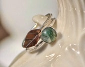 Twisted branch Leaf ring with moss agate