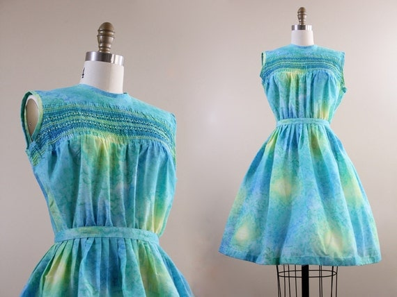 60s dress /  blue tie dye full skirt cotton 1960s day dress / size S M STARRY Night