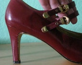 EVERYTHING 15 SALE 80s heels - burgundy mary jane strap vintage pumps - size 8.5