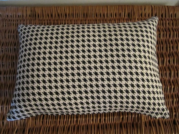 CLEARANCE - Lumbar Pillow Cover Black and White Houndstooth Check - Classic or Primitive Style