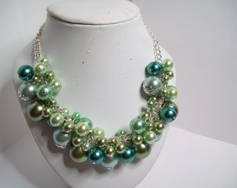 Green glass pearl necklace
