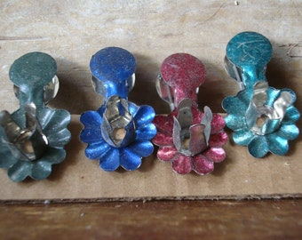 Vintage Christmas Candle Clips Tin Set of 4 Victorian