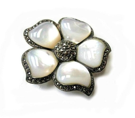 Vintage 925 marked Mother of Pearl Flower Brooch Pin