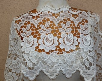 Very cute  white color  cotton    venice  lace  1 yard listing 12 inch wide
