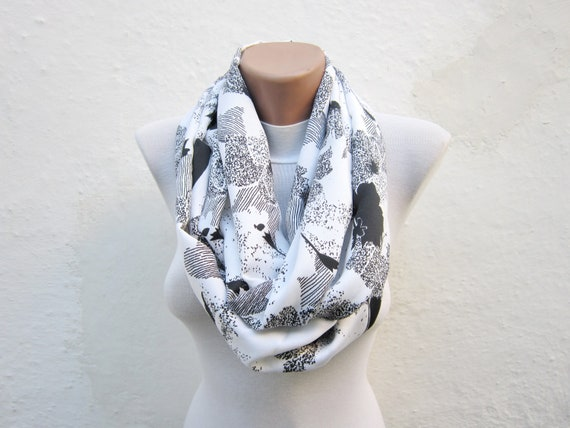 infinity scarf Loop scarf Neckwarmer Necklace scarf Fabric scarf   Black White