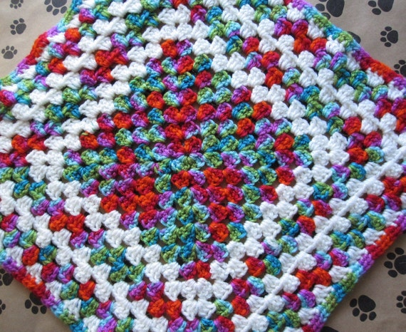 Crocheted Pet Blanket - Blue/Pink/Green/Red/White