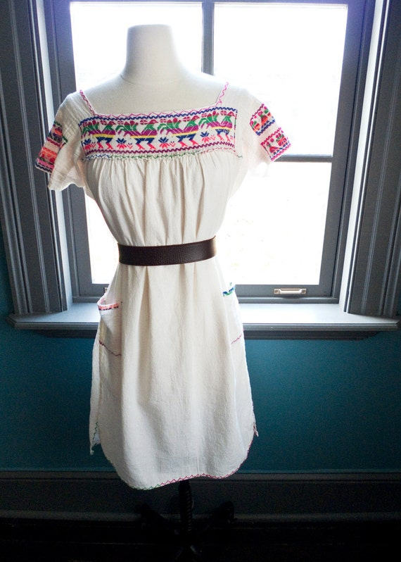 Vintage circa 1970s hippie PEASANT Mexican DRESS... hand embroidered ROOSTERS