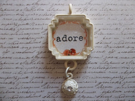 Cottage Chic Ivory Trinket Adore Text Pendant under Acrylic Glass with Rhinestone Dangle - Qty 1