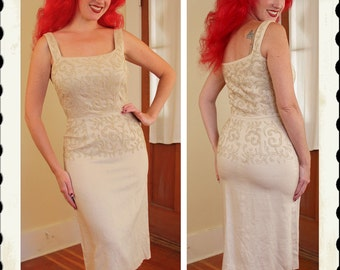 STUNNING 1950's Cream Linen Blend Hourglass Cocktail Dress w/ Squiggle Chord Embroideries & 3D Pearls - Marilyn - VLV - Bridal - Size M to L