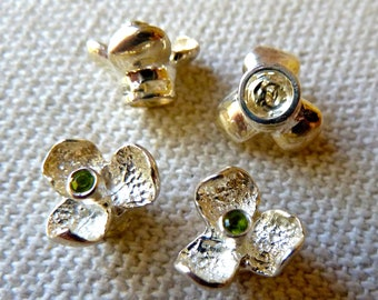 Sterling Silver Peridot Gemstone Flower Bead  -  9mm  -  Raised Platform - Unique Style - High Quality