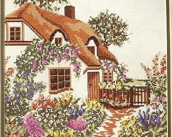 Bernat Counted Crosstitch Country Garden No H04158