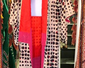 SALE  NOW  200    Stunning Art Deco Geometric Print Kimono