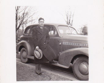 Vintage Photo - Man With a Hat - Vintage Photograph, Vernacular, Found Photo  (WW)