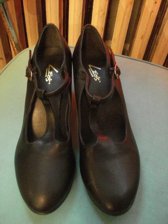 Black T Strap Heel Size 8 1/2, 9