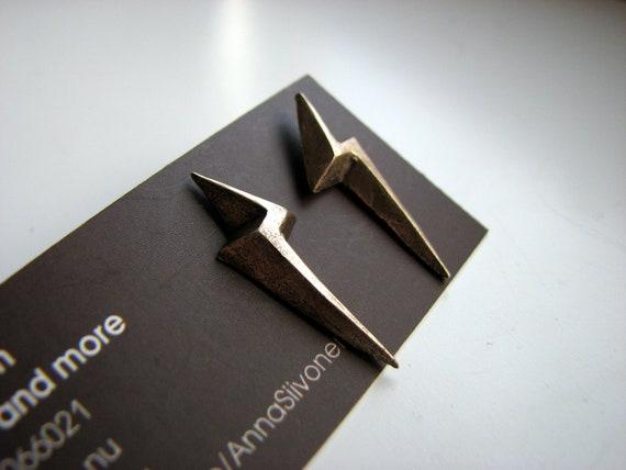 Lightening bolt earrings golden bronze