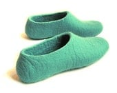 Felt Slippers Mint Green Spearmint. In Case of Cold Feet. Women - WoolWalkerShop