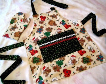 SALE Child Apron Youth Apron Child's Reversible Christmas Apron with Play Oven Mitt -Gingerbread Cookies - Kids Holiday Apron