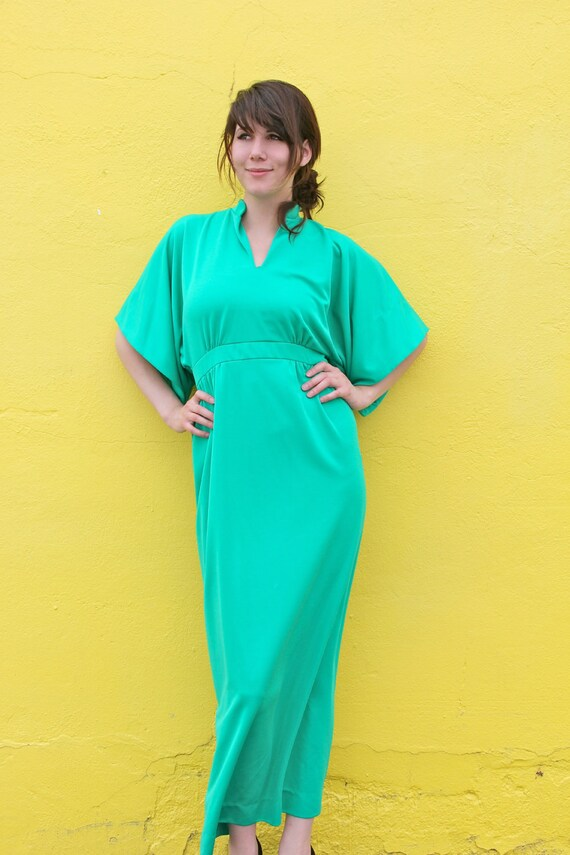 1960's. emerald green. maxi dress. butterfly sleeves. vintage dress. Sz m/l.