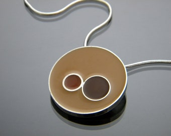 Sterling Silver Circle Necklace with Brown Shades of Resin