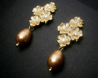 Bridal Pearl Earring In Gold Four Flowers With Cubic Zirconia And Gold Teardrop Pearls