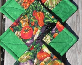 Potholders -- Great gift idea -- Two sets of two Veggie Potholders