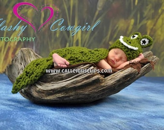 Alligator or Crocodile Cuddle Critter Cape Set  - Newborn Photography Prop -