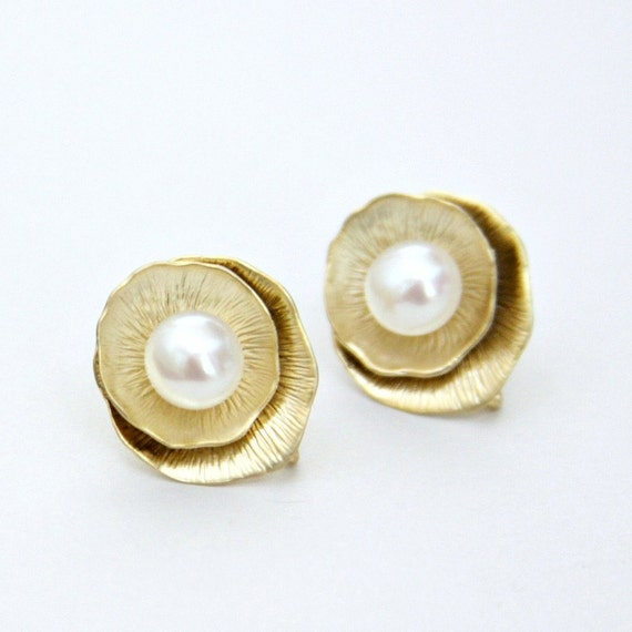 Golden Lotus Leaf Off White Shell Pearl Post Earrings Gold Plated
