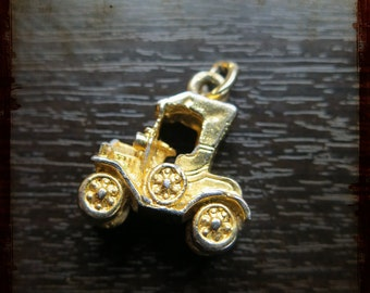 Antique French 3D car Miniature automobile Medal Pendant - Vintage Jewelry golden pendant from France