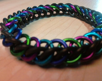 Very Berry Stretchy Chainmaille Bracelet