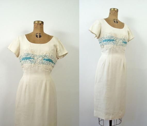 1950s Wiggle Dress / 50s Cream Dress Floral Appliqué