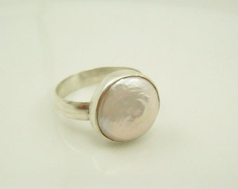 Flat Pearl Ring in Sterling Silver