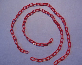 Kawaii kitschy retro style red plastic chain   40 cm    2 pcs   USA seller
