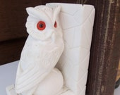 ON SALE Vintage Pair of Carved Owl Bookends White