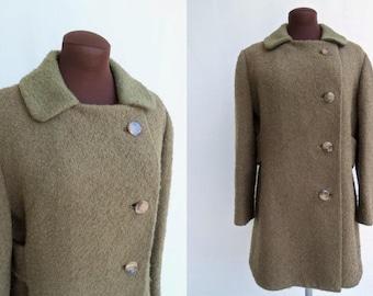 Vintage 60s Coat in Boucle Wool Khaki Brown Olive Green Short