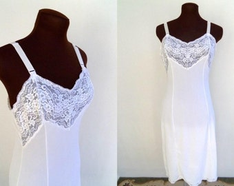 Vintage 60s Full Slip in White Nylon with Lace Bodice  Size 34