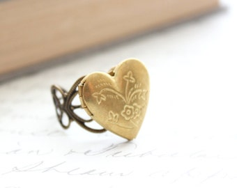 Heart Locket Ring, Adjustable Ring, Novelty, Unique Romantic Accessories Photo Locket Secret Hiding Place Memories Mementos Gold Brass